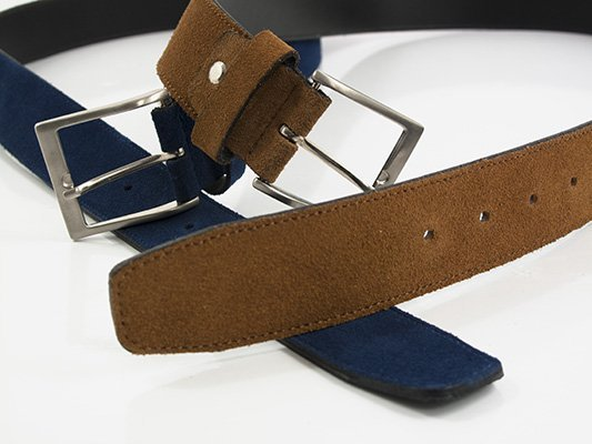 Cinturón en piel serraje