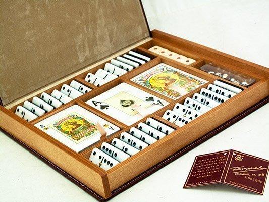 Caja de juegos en madera y semipiel